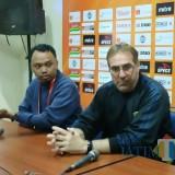 Kalah dari Arema FC, Pelatih Persib Keluh Akibat Semalam Tidak Bisa Tidur