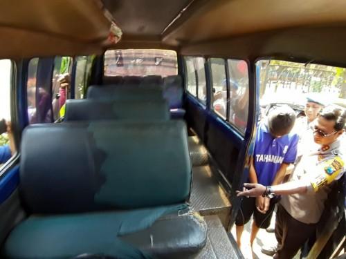 Pelaku perkosaan di dalam mobil MPU