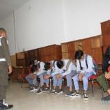 Siswa Bolios yang terjaring razia Satpol PP mendapat pembinaan petugas (Agus Salam/Jatim TIMES)