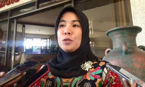 Komisioner KPU Kota Batu Marlina. (Foto: Irsya Richa/MalangTIMES)