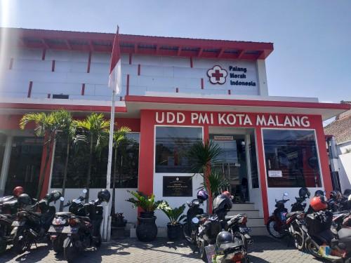 Kantor UDD PMI Kota Malang di Jalan Buring (Hendra Saputra)
