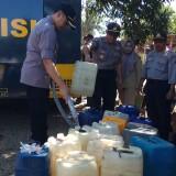 Polisi Kirim Mobil Watercanon di Wilayah Kekeringan