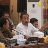 Agus Riyanto, ketua komisi III DPRD Kota Probolinggp saat RDP yang membahas penutupan tempat karaoke  (Agus Salam/Jatim TIMES)