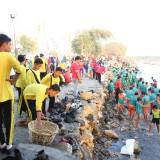 Kerja Bakti Massal di Pesisir Surabaya Hasilkan 23,5 Ton Sampah