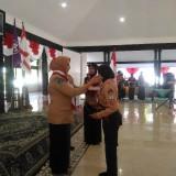 Salah satu anggota Pramuka Garuda ketika dilantik Wabup Lumajang (Foto : Moch. R. Abdul Fatah / Jatim TIMES)