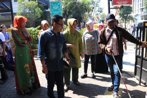 Tim Kementerian PAN RB RI saat melakukan vidasi inovasi Brexit Puskesmas Janti yang didampingi langsung Wali Kota Malang Sutiaji (Humas Pemkot Malang for MalangTIMES).