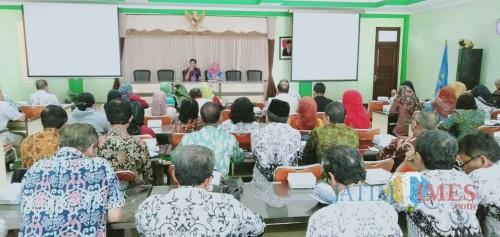 Evaluasi Kegiatan Operasi Sayang Dinas Pendidikan Kota Malang. (Foto: Imarotul Izzah/MalangTIMES)