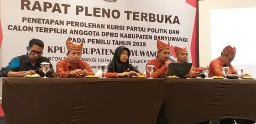 KPU Banyuwangi melakukan rapat Pleno Terbuka penetapan perolehan kursi partai Politik dan caleg terpilih
