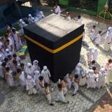 Tanamkan Karakter Religius, Siswa SD Islam Aswaja Ikuti Manasik Haji
