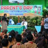Motivasi Siswa dalam Parents Day, SDN Purwantoro 1 Hadirkan 3 Pembicara dengan Profesi Berbeda
