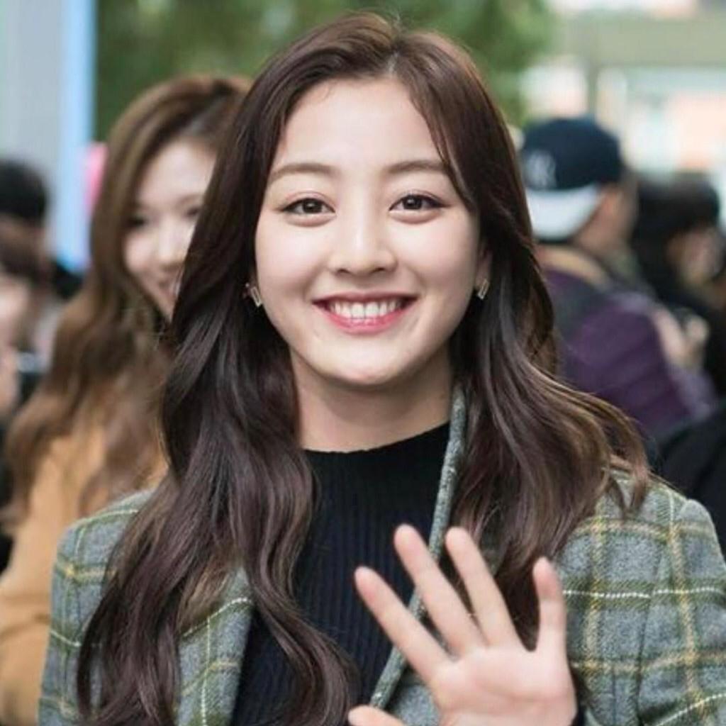 6 Gaya Rambut Ala Girl Group Korea Selatan Ini Bisa Bikin Pipi Chubby Jadi Tirus Jatim Times