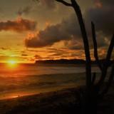 Keindahan sunset di Pantai Gondo Mayit Blitar.(Foto : Aunur Rofiq/BlitarTIMES)