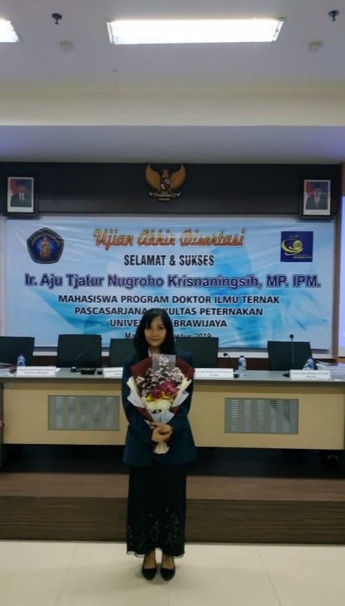 Dr. Ir. Aju Tjatur Nugroho Krisnaningsih, MP.,IPM saat berhasil meraih gelar Doktornya (Dr. Ir. Aju Tjatur Nugroho Krisnaningsih, MP.,IPM for MalangTIMES)