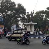 Urai Macet, Monumen Tugu Genie Pelajara dan Monumen Pahlawan Trip Rencana Digeser