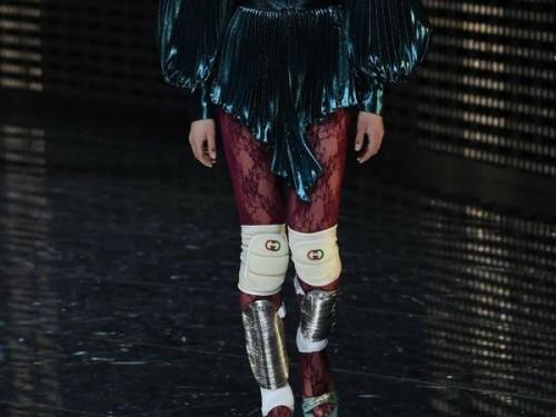 Koleksi Fall 2019 Gucci bantalan lutut aksesori (Foto: Istimewa)
