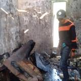Rumah Dua Lantai di Kota Batu Terbakar