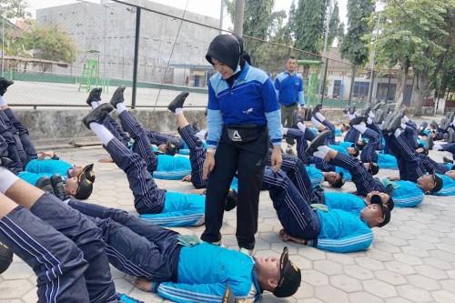 Bripka Ika Rina Dianita, Anggota Polres Kediri Pelatih Paskibraka. (Foto: Ist)
