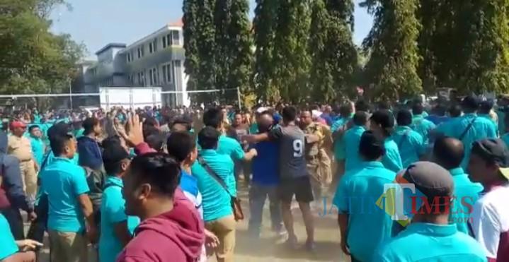 Video Asn Pemkab Jombang Tawuran Viral Di Masyarakat