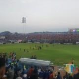 Kenakan Jersey Baru, Arema FC Hancurkan Persebaya