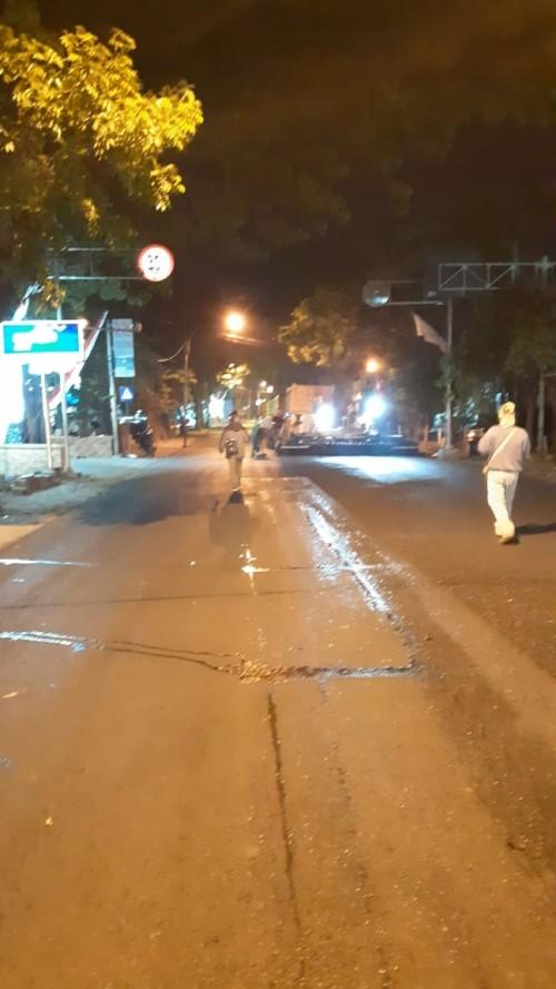 Pengaspalan di Jalan S.Supriadi yang dilakukan DPUPR Kota Malang (DPUPR for MalangTIMES)