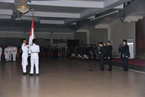 Prosesi pengukuhan anggota Paskibraka di Aula PB Sudirman Pemkab Jember. (foto : istimewa / Jatim TIMES)