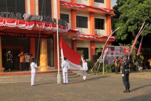 Suasana upacara HUT Kemerdekaan RI ke 74 yang digelar Unikama (Unikama for MalangTIMES)
