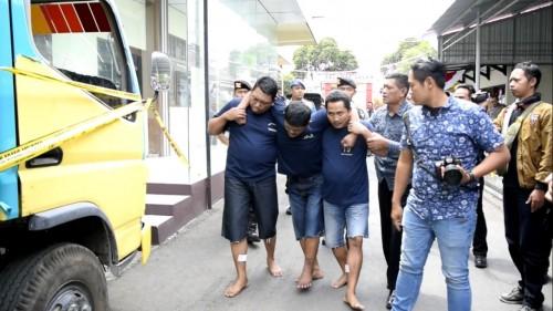 Tiga pelaku pencurian dump truck