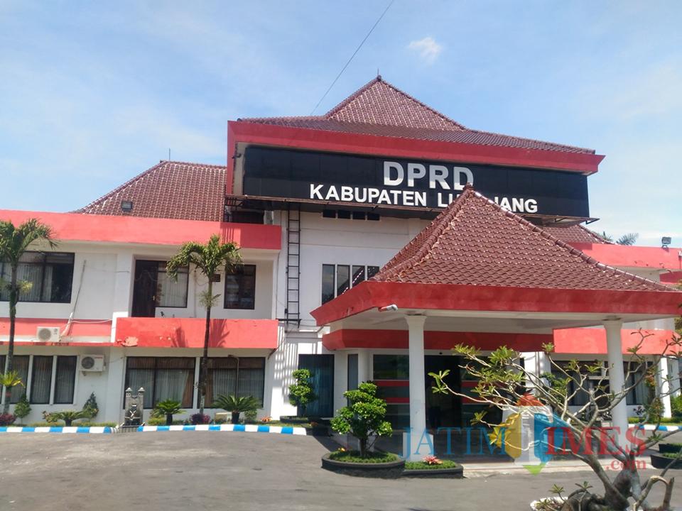 Kantor DPRD Lumajang (Foto : Moch. R. Abdul Fatah / Jatim TIMES)