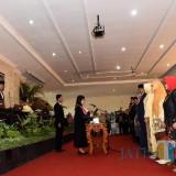 Para anggota DPRD Kota Kediri yang terpilih mengucapkan  sumpah janji jabatan. (eko Arif s /JatimTimes)