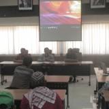 Petani tembakau Kabupaten Blitar mendapat paparan materi dari Puslitkoka Indonesia di Jember.(Foto : Aunur Rofiq/BlitarTIMES)
