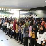 7.300 Orang Rebutkan 1.150 Lowongan Bursa Kerja Terbuka di Surabaya