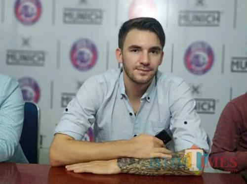 Pavel Smolyachenko saat dikenalkan Arema FC sebagai pemain baru pada awal musim kompetisi Liga 1 2019 (Hendra Saputra)