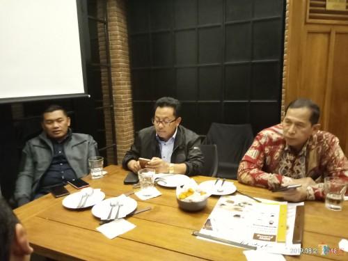 Dari kiri, Kapolres Malang Kota, AKBP Asfuri, Wali Kota Malang, Sutiaji dan Kepala Bagian Tata Usaha dan Umum Sekretariat Deputi Bidang Kamtibmas (Anggara Sudiongko/MalangTIMES)