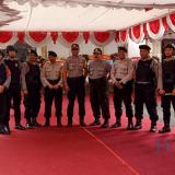 Personel Polres Blitar Kota amankan pelantikan DPRD Kota Blitar.(Foto : Aunur Rofiq/BlitarTIMES)