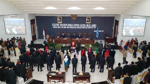 Prosesi pengambilan sumpah janji anggota DPRR Kota Malang periode 2019-2024 yang berlangsung sakral, Sabtu (24/8/2019) di Gedung DPRD Kota Malang (PipitAmnggraeni/MalangTIMES).
