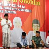 Wakil Bupati Jember Drs. KH. ABdul Muqit Arief saat membuka acara semaan Al Quran di halaman Pemkab Jember (foto : istimewa /Jatim TIMES)