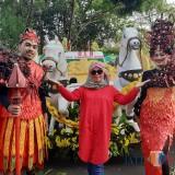 DLH Kota Malang Pamerkan Kreasi Olahan Daur Ulang Sampah di Festival Kendaraan Hias