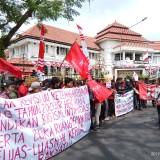 Aliansi Rakyat untuk Demokrasi Lakukan Unras, Tolak Revisi UU Ketenagakerjaan