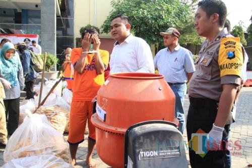 Satreskrim Polres Kediri Amankan Produsen Bibit Jagung Ilegal. (Foto: Istimewa)