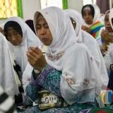 Isak Tangis Keluarga Warnai Kehadiran 310 Jamaah Haji di Kota Batu, 1 Meninggal