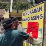 Banyak Pekerja Migran, Wilayah Kabupaten Malang Jadi Sasaran Penertiban Money Changer Ilegal