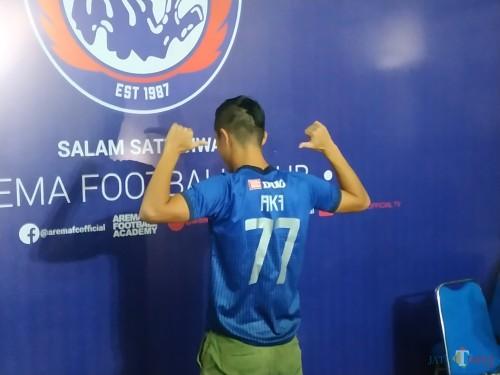 Takafumi Akahoshi saat dikenalkan Arema FC sebagai pemain asing baru. (Hendra Saputra)