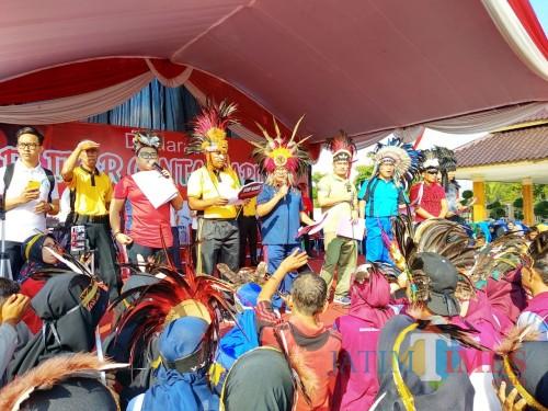 Deklarasi Blitar untuk Papua wujudkan Indonesia damai (Foto: Malik Naharul/BlitarTIMES)