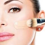 Sering Gunakan dan Berbagi Produk Make Up, Ini 4 Bahayanya