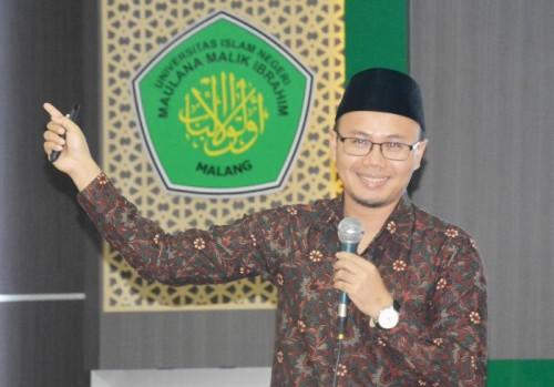 Dr Mohammad Mahbubi Alidari International Institute of Advanced Islamic Studies(IAIS), Malaysia, salah satu pembicara dalam ICONIES. (Foto: Humas)