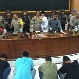 Polisi Amankan 53 Orang usai Bentrok Suporter di Kediri