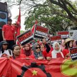 Ratusan Buruh Kota Malang Demo Tolak Kenaikan Iuran BPJS Kesehatan