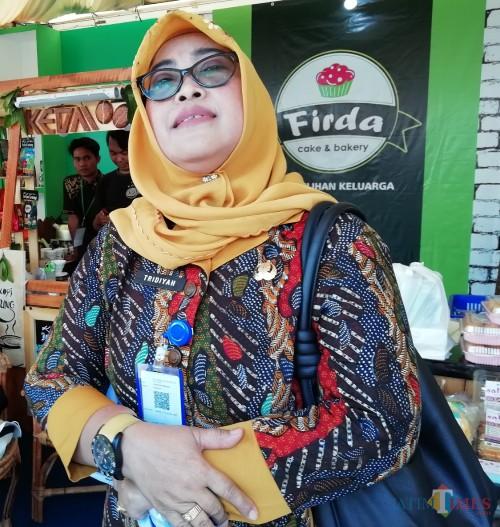 Inspektur Kabupaten Malang Tridiyah Maestuti saat ditemui di expo pembangunan (foto: Nana/ MalangTIMES)