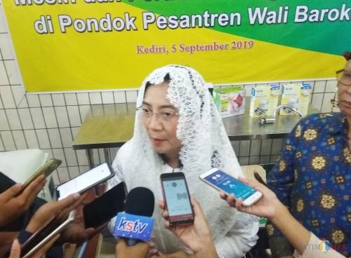 Dirjen IKMA Kemenperin Gati Wibawaningsih saat memberikan keterangan kepada para awak media. (Eko Arif S / JatimTIMES)