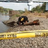 Bom yang Ditemukan Pemancing Dievakuasi Tim Jibom Brimob Kediri